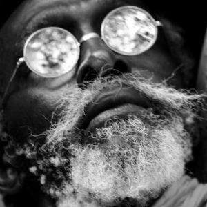 """Read more about the article [OPINION] – Buna Medoune SEYE aux """"fossoyeurs"""" de Joe Ouakam : """"Je ne vous laisserai pas faire ! """""""