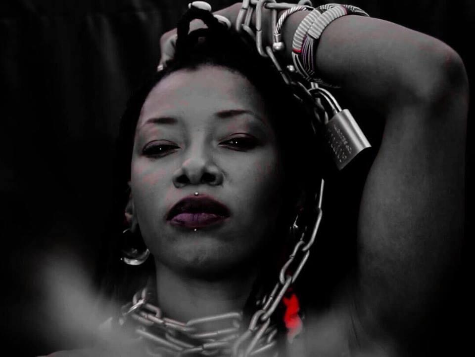 Read more about the article Fatoumata Diawara dit non à l'esclavage sous toutes ses formes