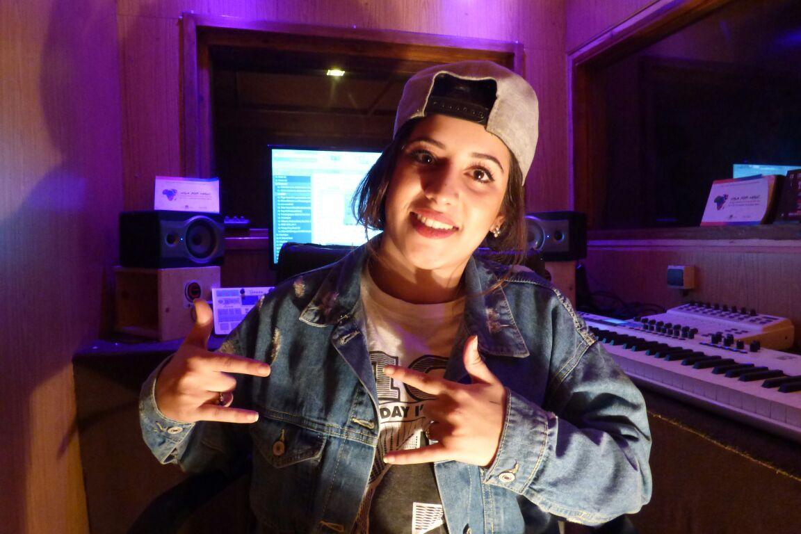 Read more about the article Maroc / Hip Hop La-Mora : nouvelle étoile du Rap féminin d'Agadir Live
