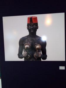 """Read more about the article Exposition d'art """"In-discipline"""": Le Bénin culturel se célèbre à Rabat !"""